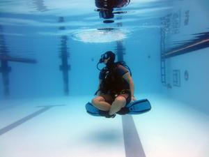 Sukeldumisekursus - harjutamine basseinis